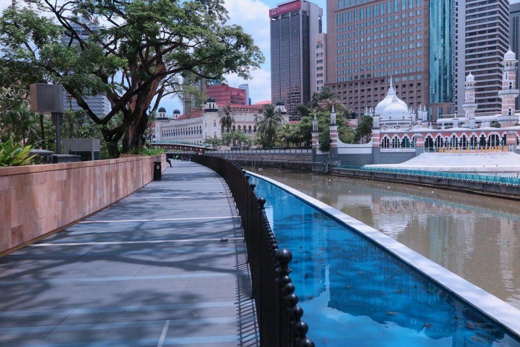 استفاده از کریدورهای آبی برای توسعه مناطق پیاده روی در شهر- مالزی و برونئی